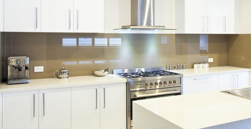 kitchen and bathroom glass splashbacks photo 1
